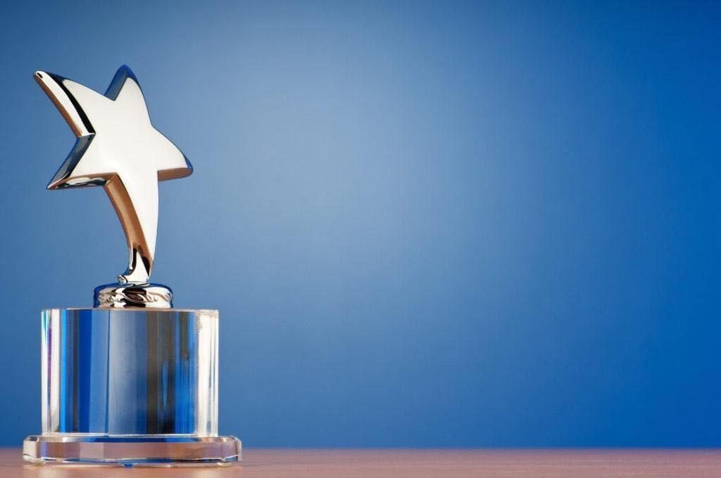 """""""Efrim, Roșca și Asociații"""" și """"Gladei și Partenerii"""" - premiate cu distincția Tranzacția Anului 2018 în Republica Moldova"""