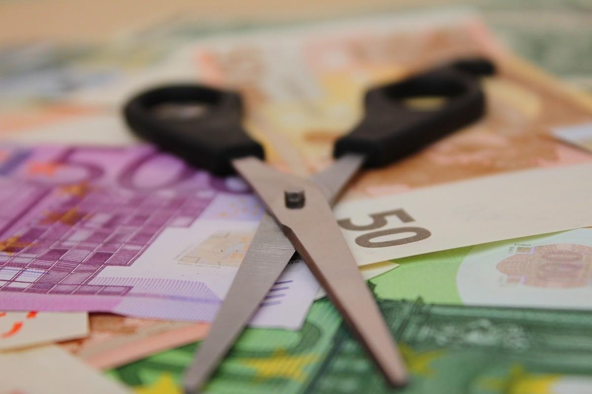 Cum a scăpat un consumator român de o datorie de aproape 45.000 de euro la bancă