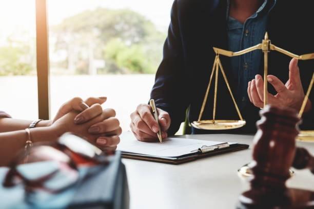 UAM a dispus încetarea activității a doi avocați și suspendarea activității altor trei apărători
