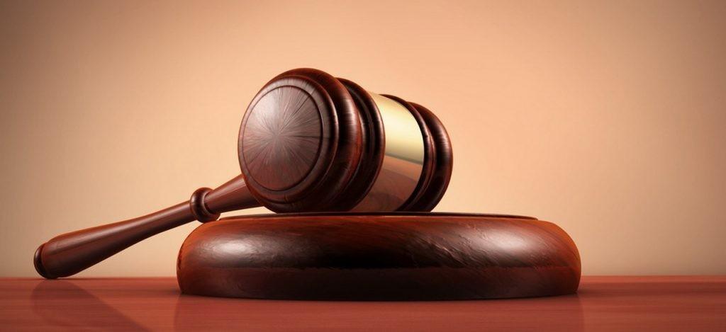 (V) Desfășurarea licitaţiei de către notar, desemnarea câștigătorului, semnarea procesului-verbal