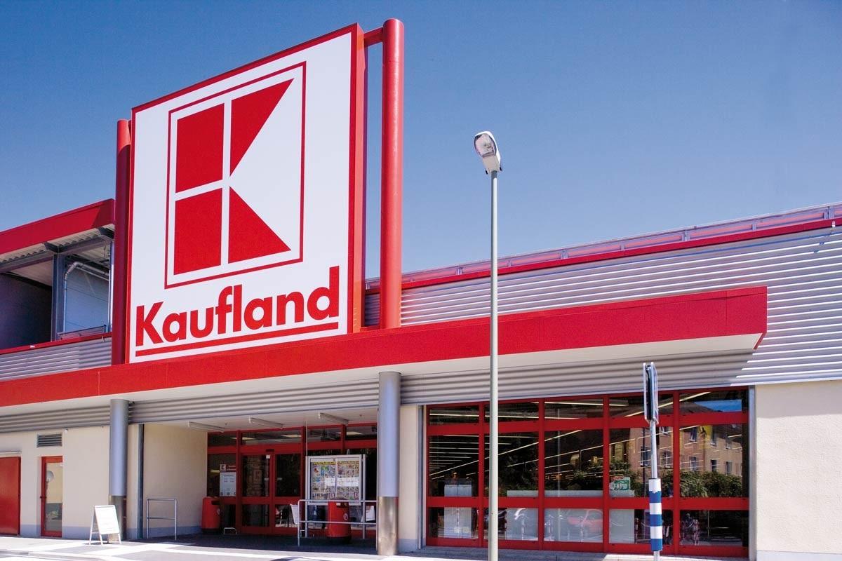 Kaufland trebuie să îi plătească peste 21 de mii de euro  daune morale unei foste angajate