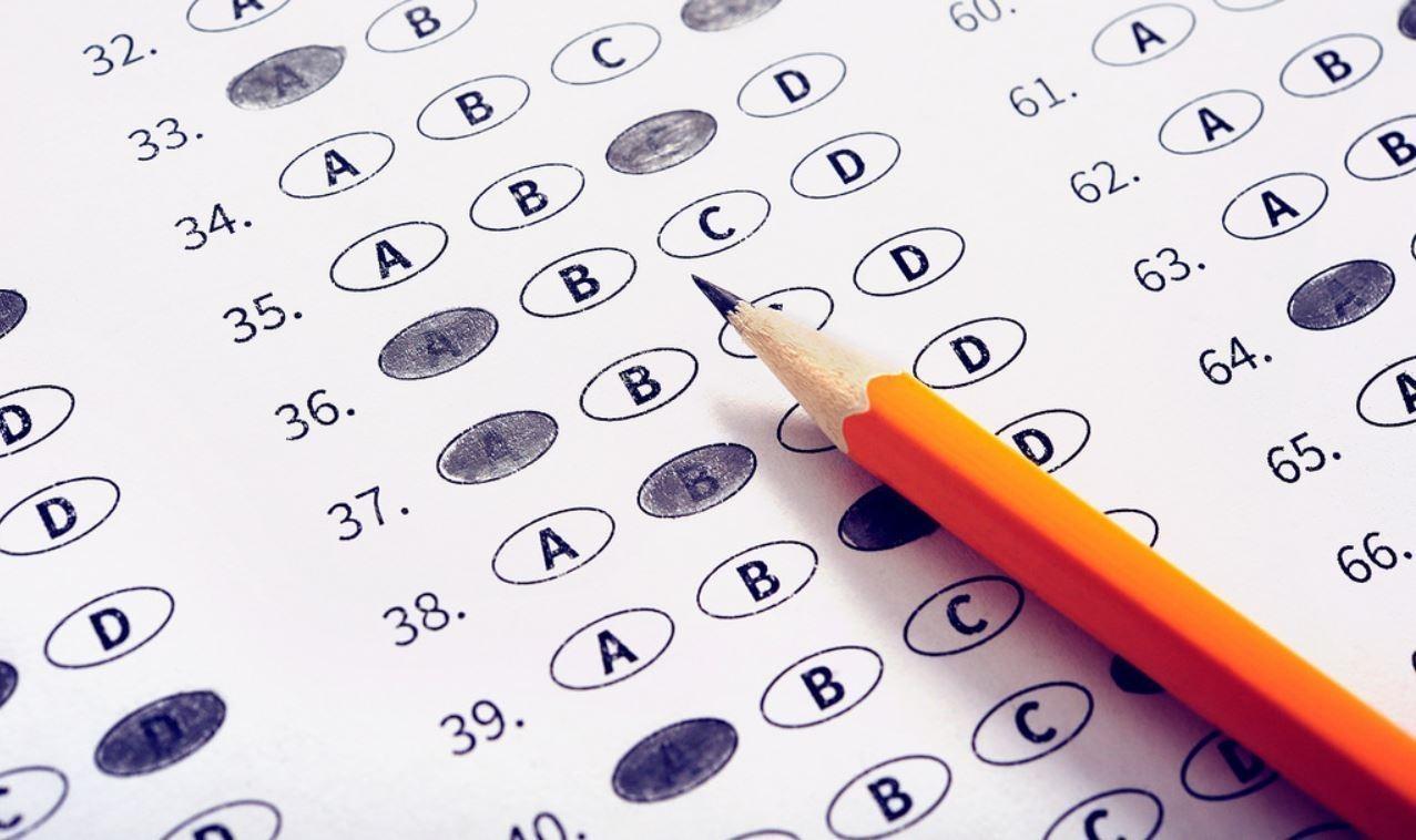 Ultima zi! Cei care vor să ajungă avocați se mai pot înscrie astăzi la examen