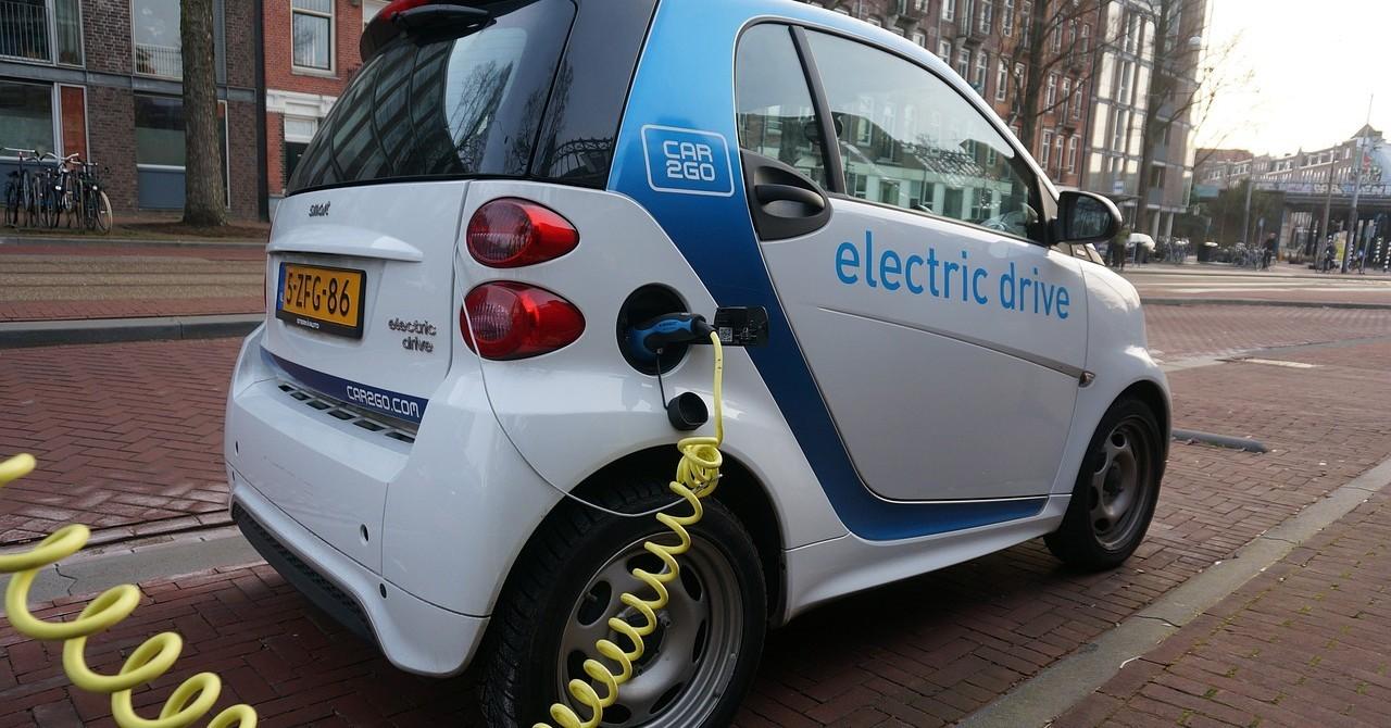 """Mașinile electrice și hibride, """"obligate"""" de UE să facă mai mult zgomot"""