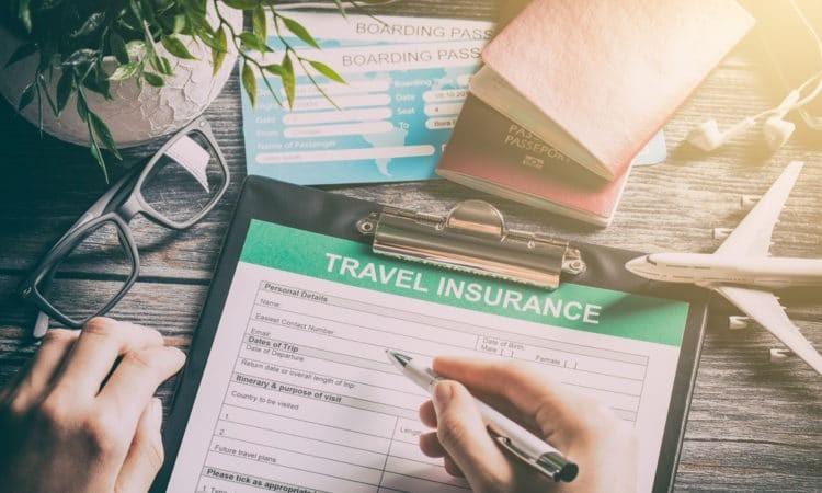 Noi reguli pe piața turismului: Asigurarea de călătorie, prin intermediul agențiilor de turism și turoperatorilor, ar putea fi exclusă