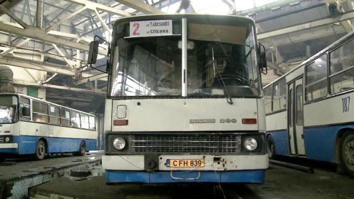 Autobuze mai vechi pe străzi. Deputații vor să permită importul de autovehicule cu termen de exploatare mai mare de 10 ani