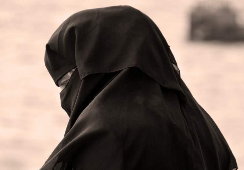 """India a scos în afara legii """"triplul talaq"""", practica prin care un bărbat putea divorța instantaneu de soție"""