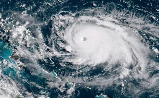 Pagube de cel puțin 25 de miliarde de dolari pentru companiile de asigurări, în urma uraganului Dorian