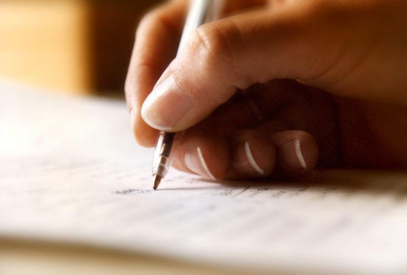 Cum s-a judecat un candidat la roba de avocat cu Comisia de licenţiere, pentru că nu i-a putut descifra lucrarea scrisă de mână