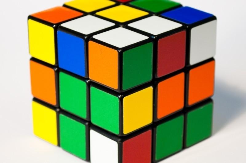 """CJUE: """"Rubik's cube"""" nu este o marcă. Cum este motivată decizia"""