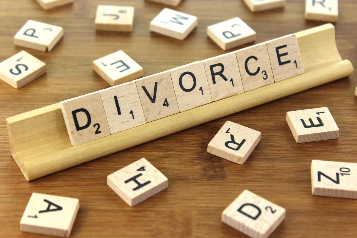 Eliberarea certificatului de divorț nu va fi obligatorie în cazul desfacerii căsătoriei prin hotărârea instanței