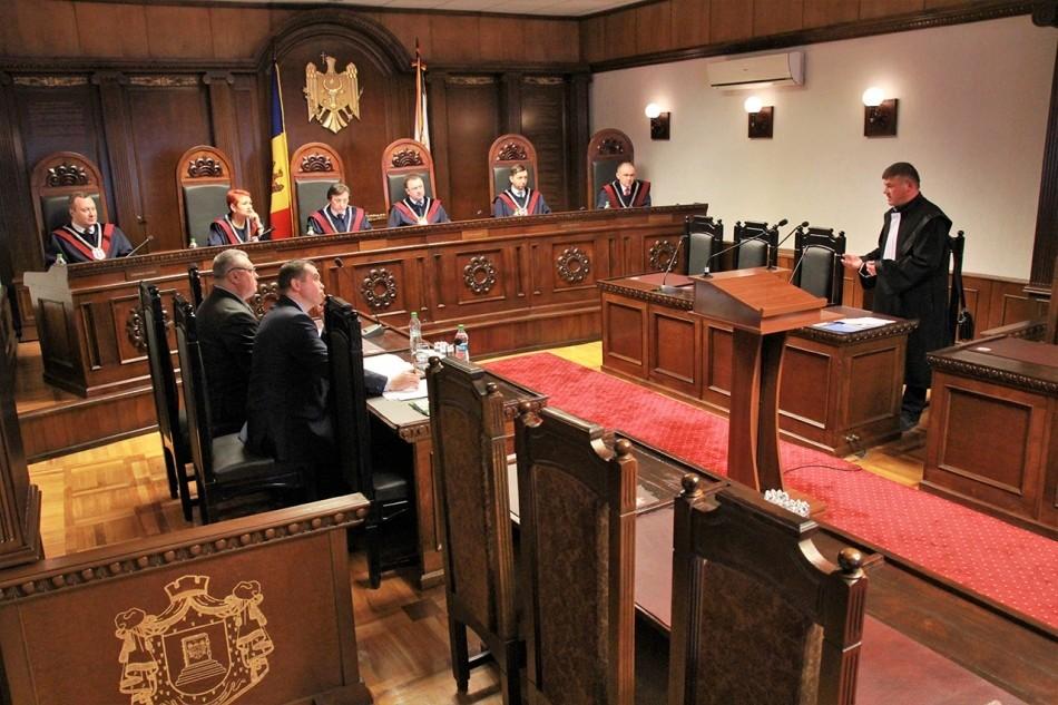 Comisia de la Veneția: Ar fi greu de atras la răspundere penală judecătorii Curții Constituționale pentru voturile sau opiniile lor exprimate în exercitarea atribuțiilor