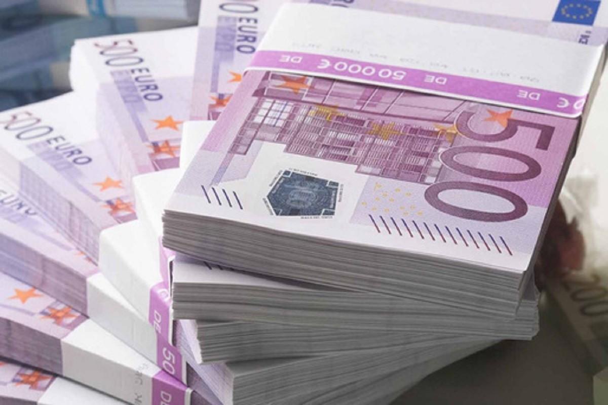 Bonus la salariu de 1.630%. Ministrul Economiei al Ucrainei vrea un salariu cu mult mai mare decât cel stabilit de lege, pentru luna noiembrie