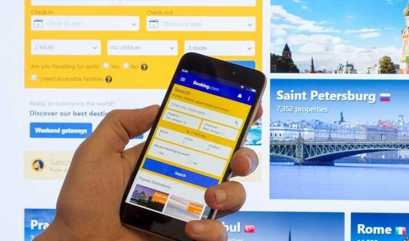 Tehnici de manipulare a clienților: Booking.com, forțat de UE să-și schimbe practicile