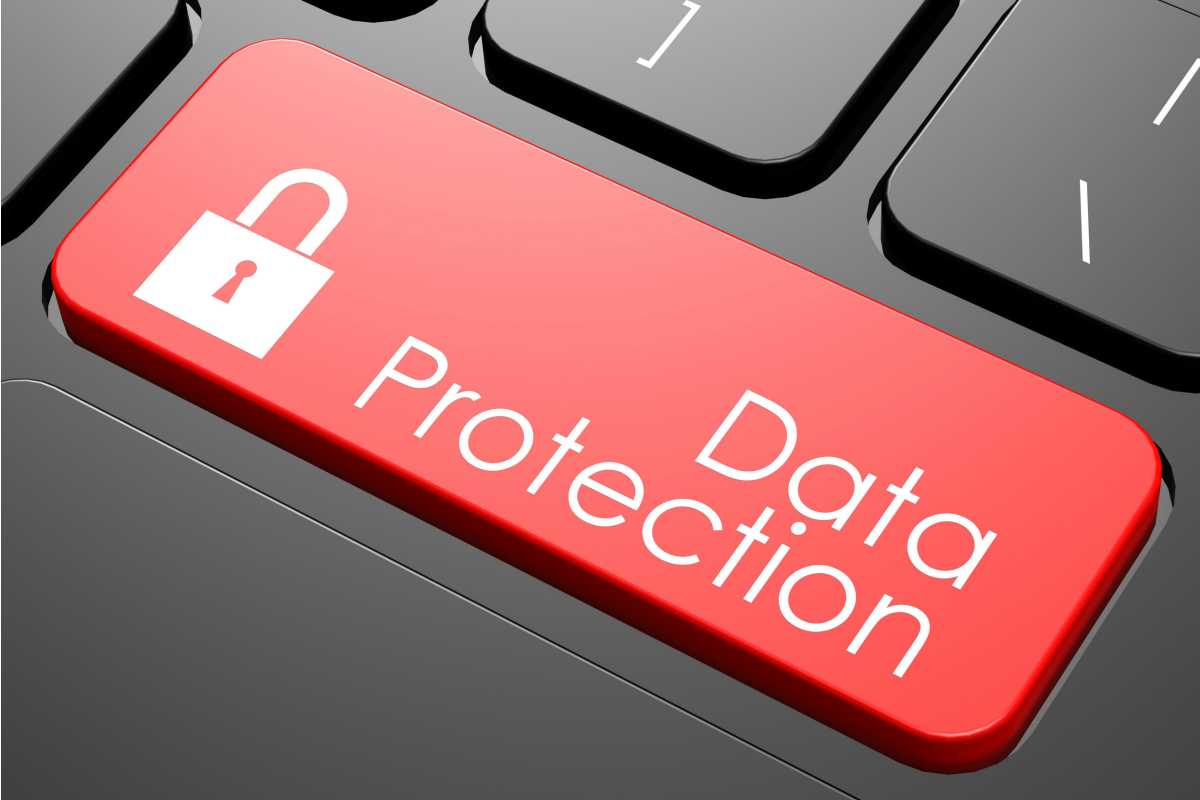 Avocatul general CJUE: Decizia Comisiei privind clauzele contractuale tip pentru transferul de date cu caracter personal către persoane împuternicite de către operator stabilite în țări terțe