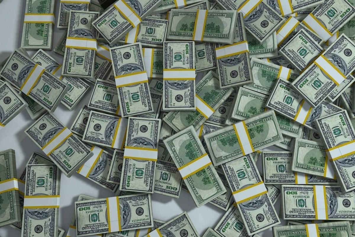 Cei mai bogați oameni din lume și-au mărit averile cu 1.200 de miliarde de dolari