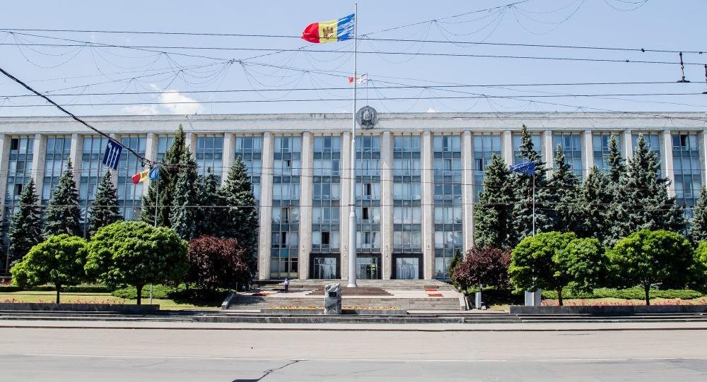 Guvernul va retrage din Parlament proiectul de modificare a Legii cu privire la avocatură