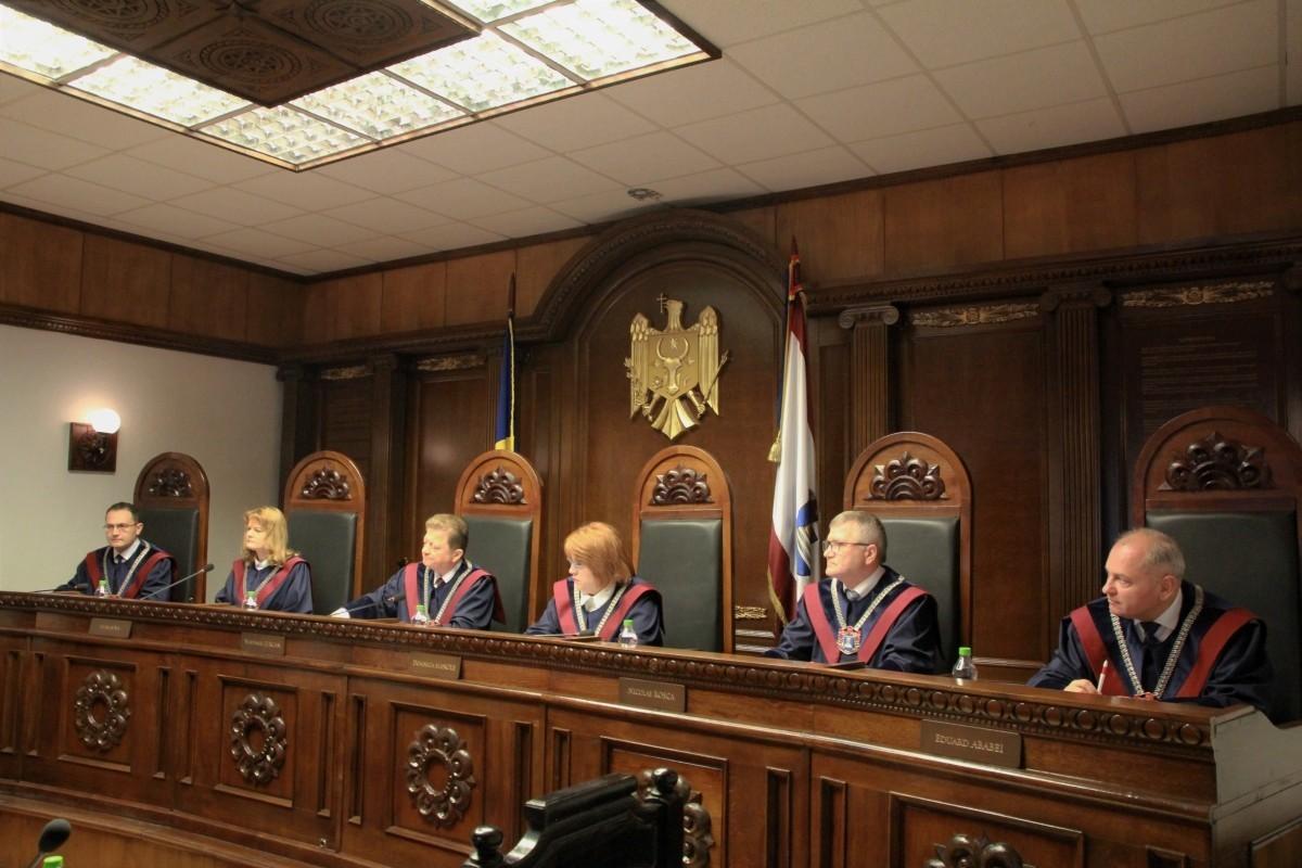 Sesizarea președintelui privind constituționalitatea modificări Legii cu privire la CSM, respinsă ca inadmisibilă