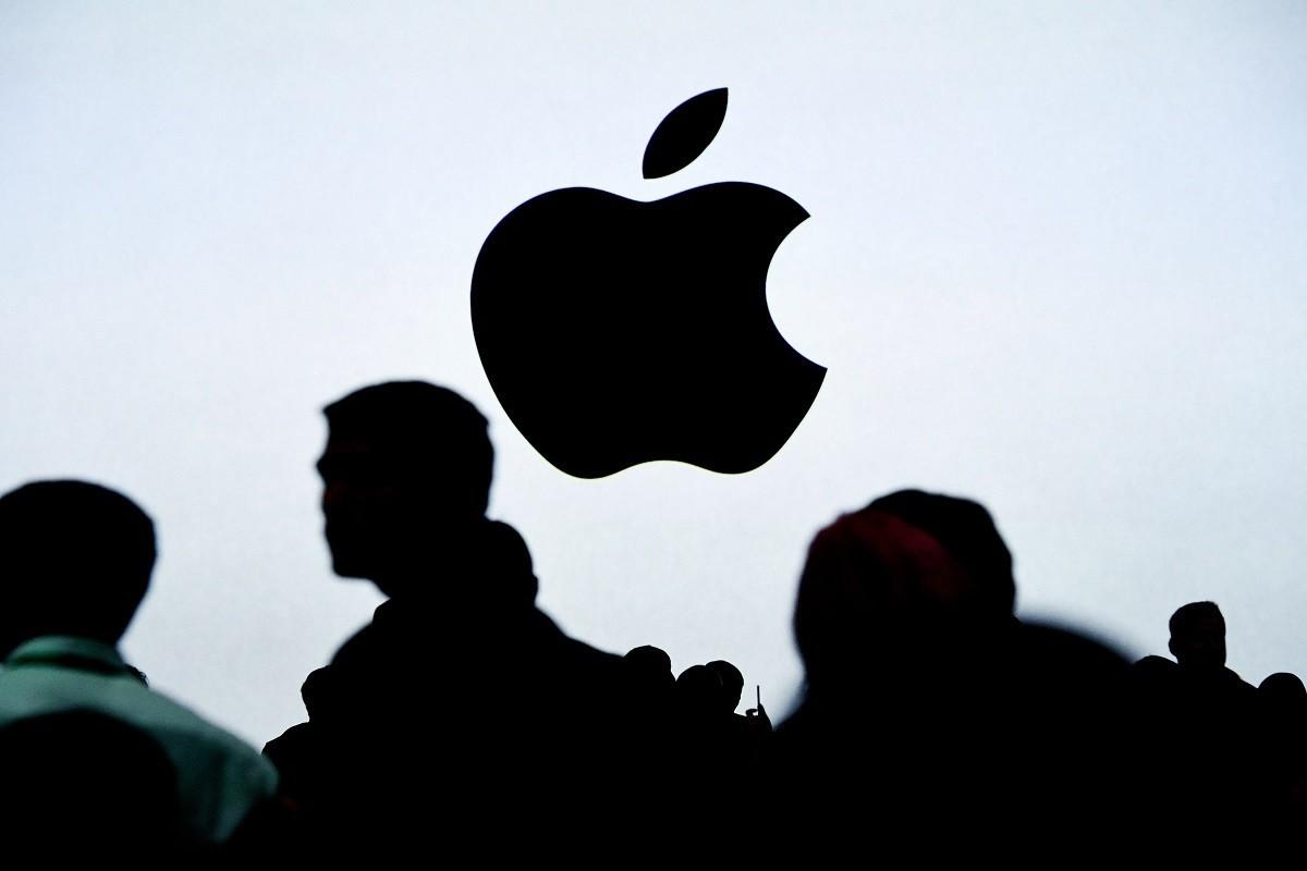 De la asamblarea iPhone-urilor, la producerea de măști medicale. Mai multe companii chineze se reprofilează