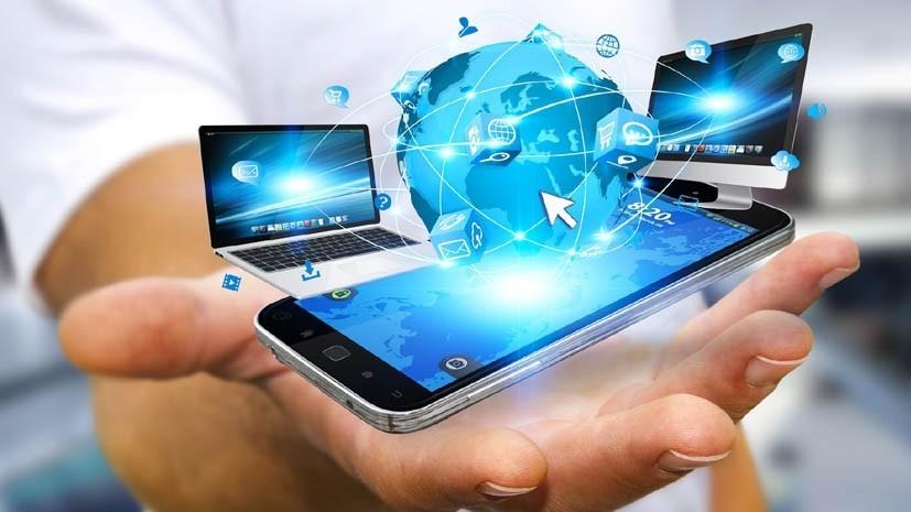 Moldovenii folosesc mai mult internet de când nu mai merg la muncă. Volumul traficului a crescut cu o treime