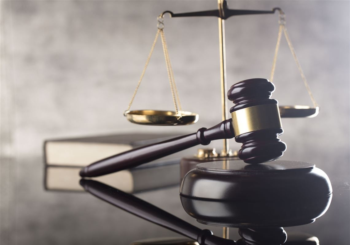 Comisia juridică, numiri și imunități dă undă verde inițiativei de majorare a vârstei de pensionare a magistraților