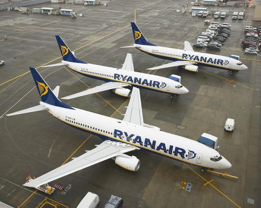Ryanair: Avioanele companiei nu vor zbura dacă va fi obligată să lase libere locurile din mijloc pentru distanţare socială