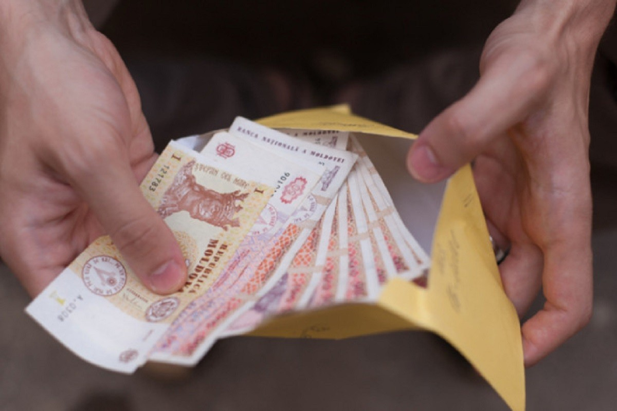 BNS raportează scăderi ale câștigului salarial