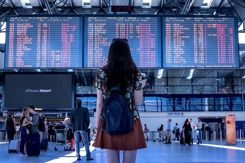 SUA nu vor acorda vize studenţilor străini înscriși la universitățile care vor continua cursurile online