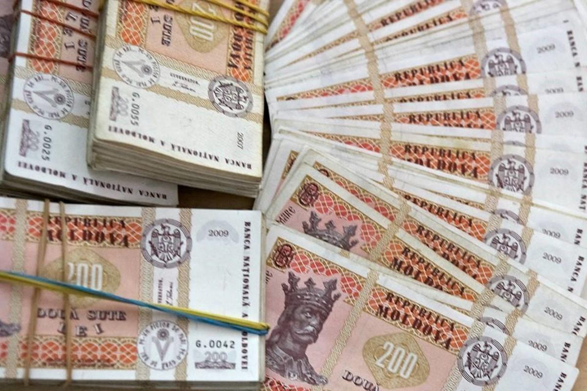 Numărul milionarilor din Moldova a crescut cu 755 persoane într-un an. Cel mai mare venit - 324,08 milioane lei