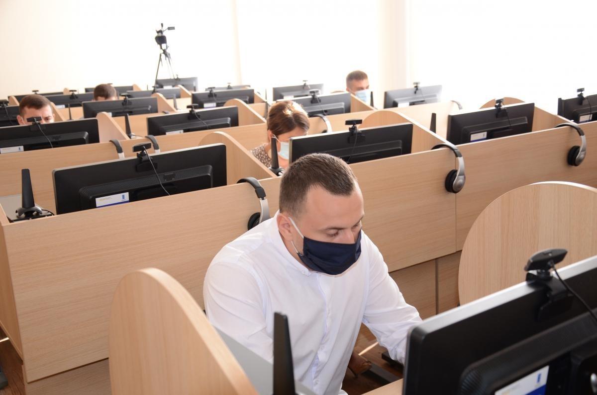 Au început examenele de admitere la INJ