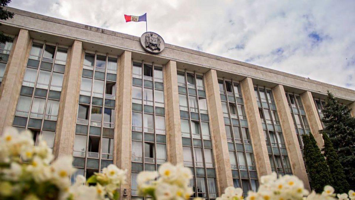 Tradiția se respectă. Produsele petroliere vor putea importate în Moldova prin regiunea de est încă jumătate de an