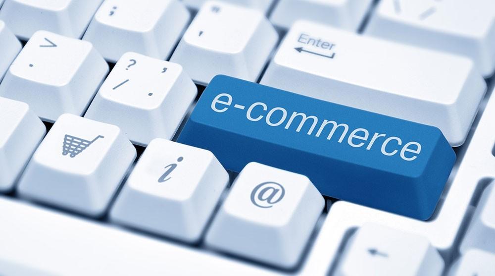 Businessul evită comerțul on-line din cauza tarifelor mari pentru tranzacții. Datele Consiliului Economic