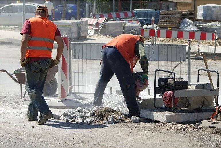 Angajatorul va avea obligația de a acorda gratuit salariaților echipamente individuale de protecție