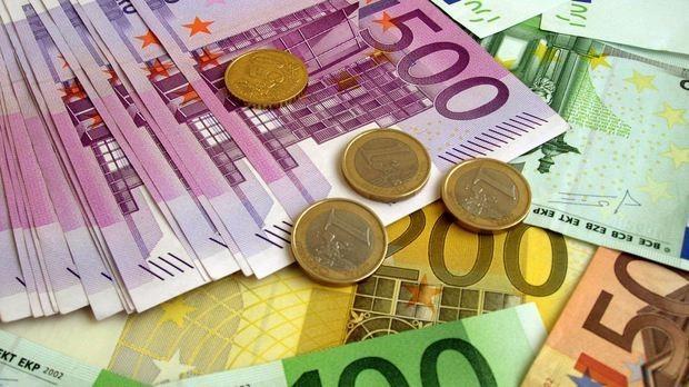 O bancă, care activează și în Republica Moldova, amendată cu 100.000 euro după ce o declarație a unui client a fost pusă de un angajat pe rețelele sociale
