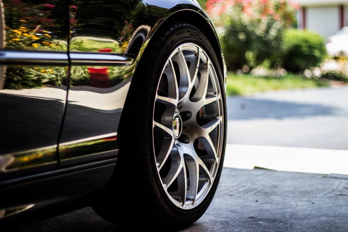 Cifra de afaceri din comerţul cu autovehicule şi motociclete s-a micșorat cu peste18 la sută, anul trecut