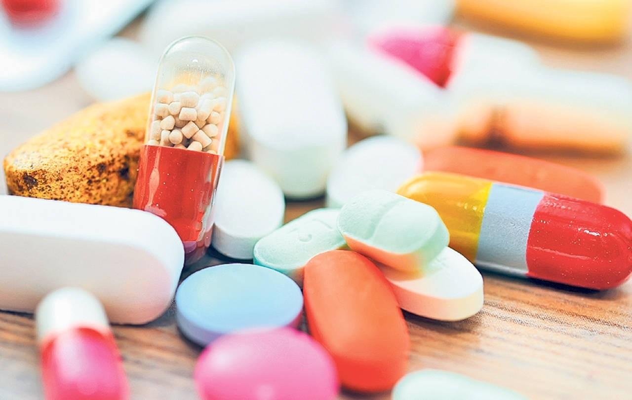 Farmaciile ar putea avea dreptul de a livra medicamente la domiciliu. Propunerea deputaților