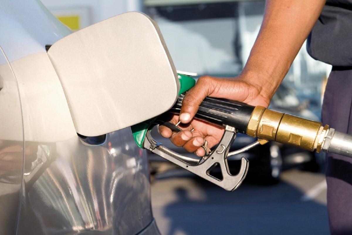 ANRE ar putea avea, din nou, atribuții de intervenție la stabilirea prețului la produsele petroliere