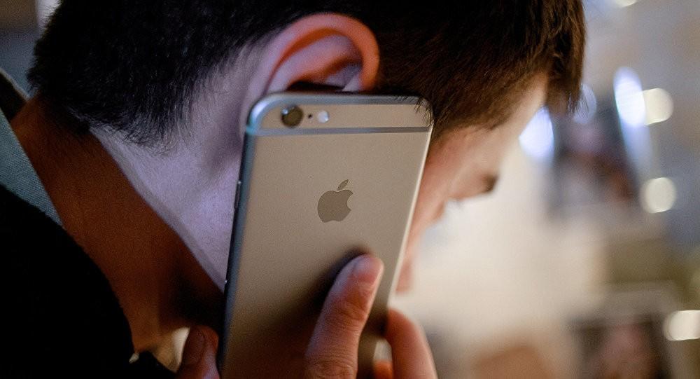 În anul 2020 utilizatorii au vorbit mai mult la telefonul mobil