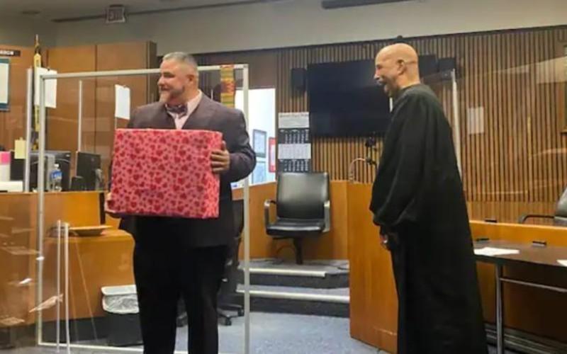 """Un judecător i-a oferit """"o a doua șansă"""" unui infractor și l-a ajutat să devină avocat"""