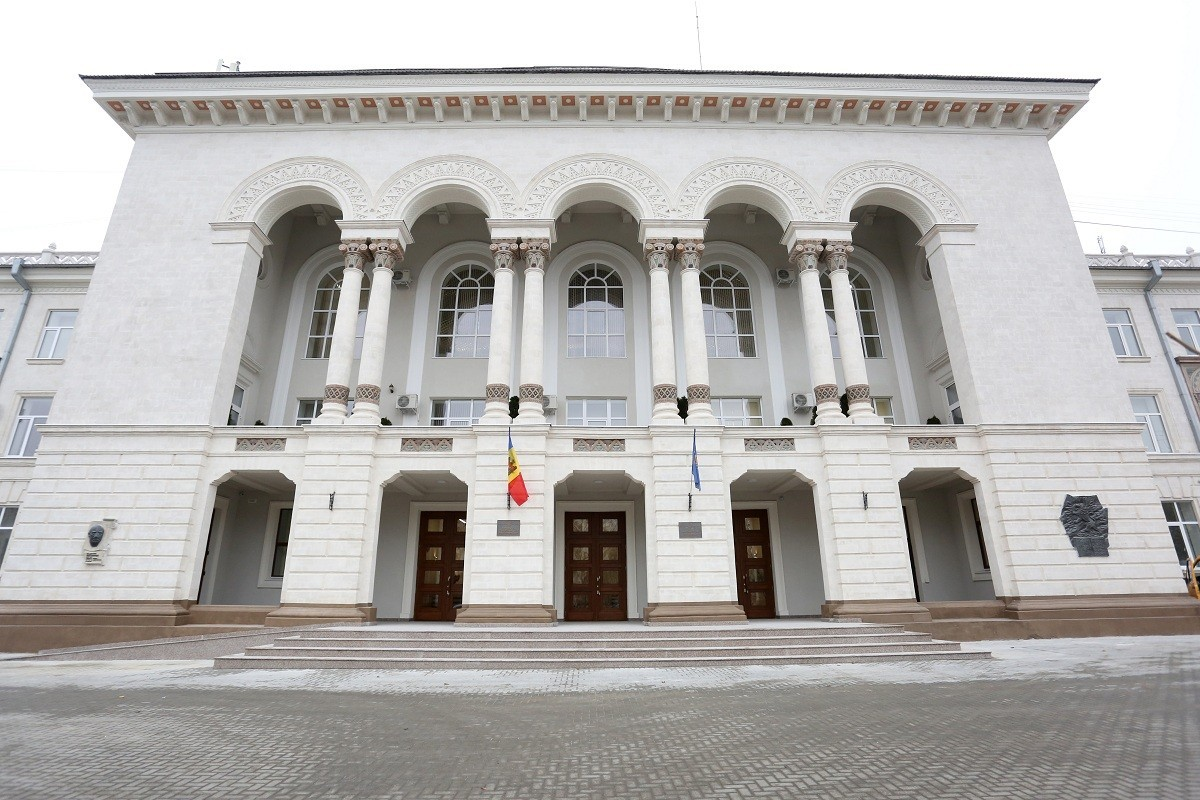 Procuratura propune autorităților publice centrale un mecanism pentru combaterea corupției la nivel înalt