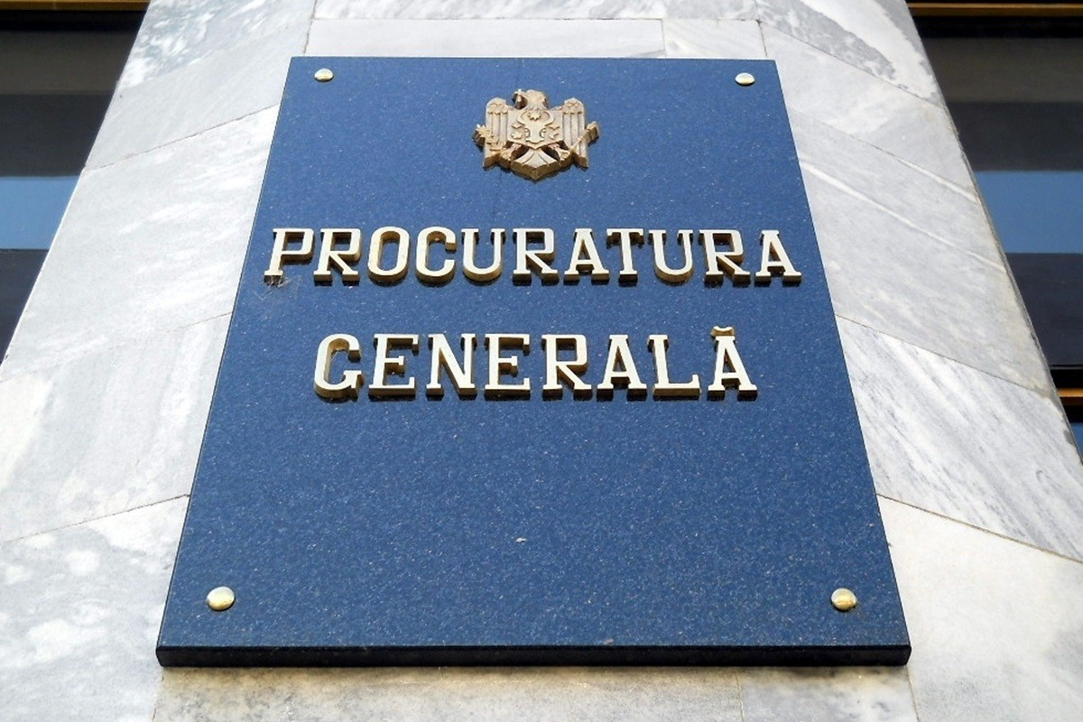 Procurorul General nu vrea să fie evaluat. A  sesizat Curtea Constituțională