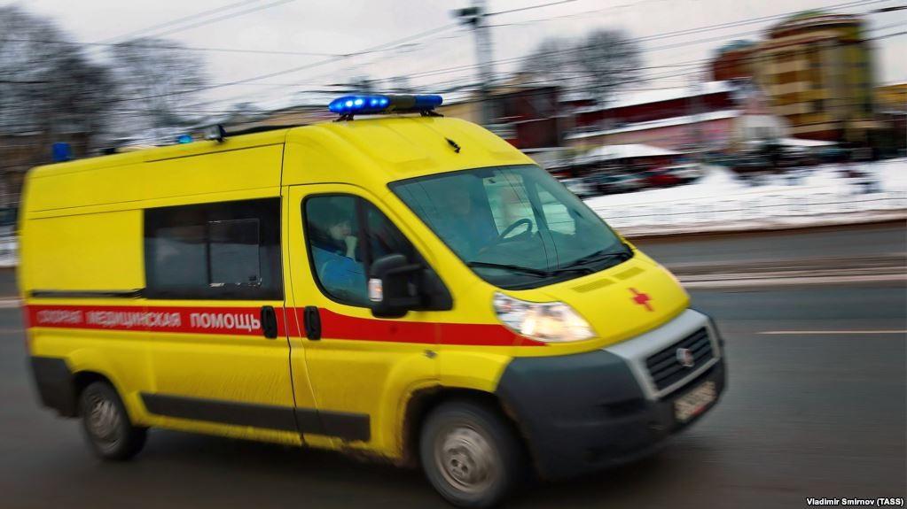 Un șofer din Rusia a rămas fără permis pentru că și-a vopsit mașina în stilul unei ambulanțe