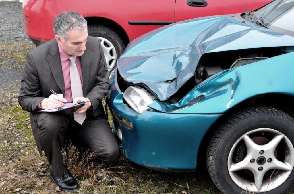 Accidentele ușoare vor putea fi constatate fără intervenția poliției.  Legea care reglementează procedura a fost publicată în Monitorul Oficial