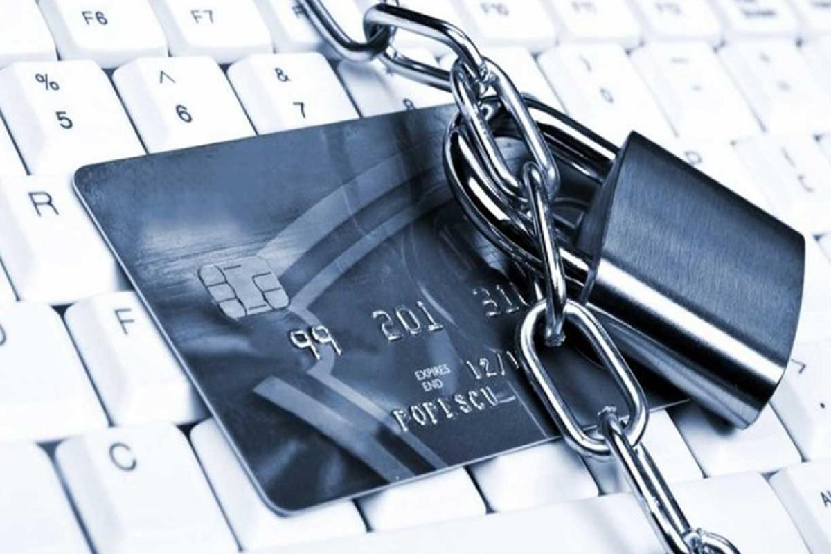 Avocații și notarii din Rusia, obligați să blocheze conturile clienților în anumite cazuri