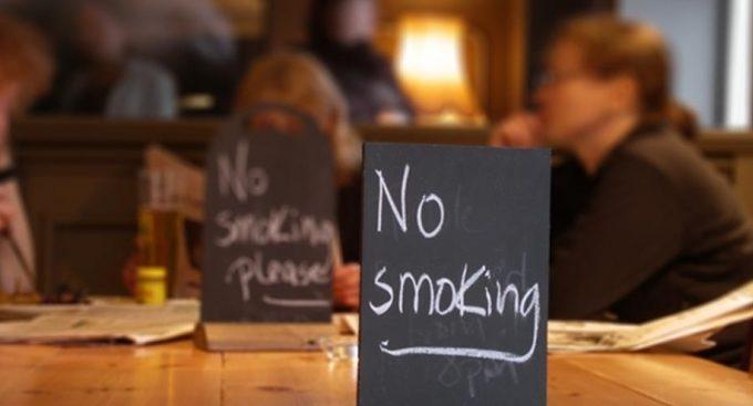 Fumatul în locurile interzise a scos din moldoveni milioane de lei pentru achitarea amenzilor