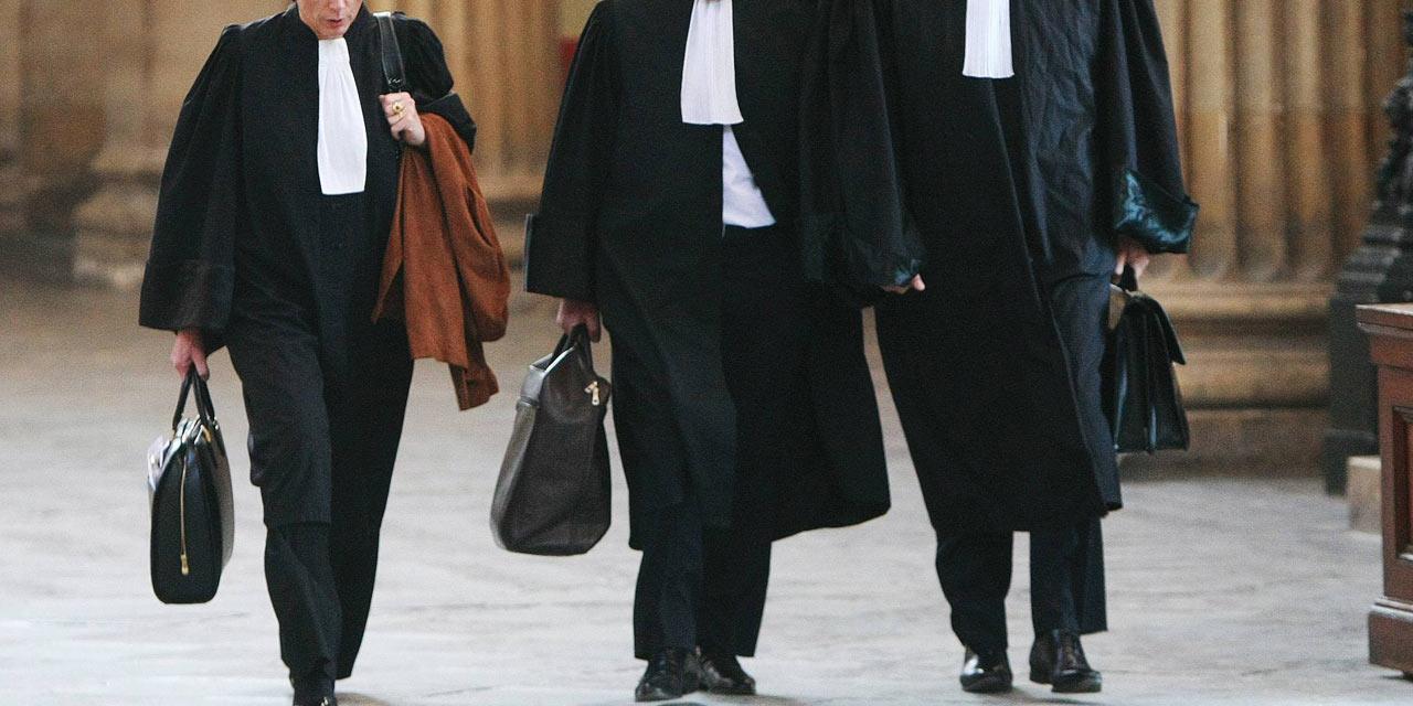 Lista apărătorilor care au dreptul de a exercita profesia de avocat a fost completată. Câți dintre ei și-au luat licența anul acesta