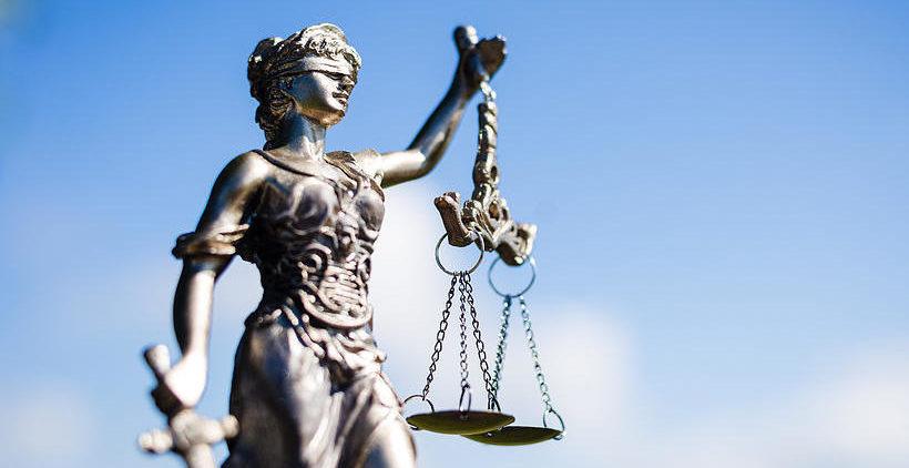 Un dosar se află pe rol mai mult de 3 ani și jumătate pentru că magistrații nu pot decide cine are competență de examinare