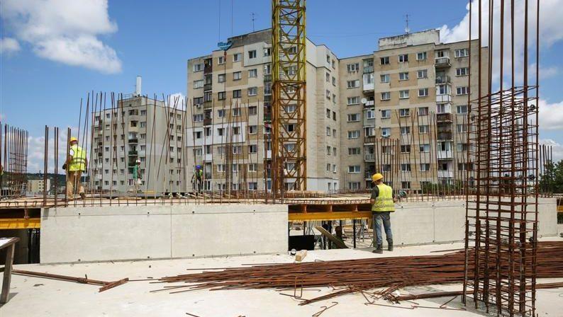 Cum trebuie clasificate investițiile persoanelor juridice în construcția de locuințe, dacă compania ajunge în insolvabilitate? A fost sesizată Curtea Constituțională