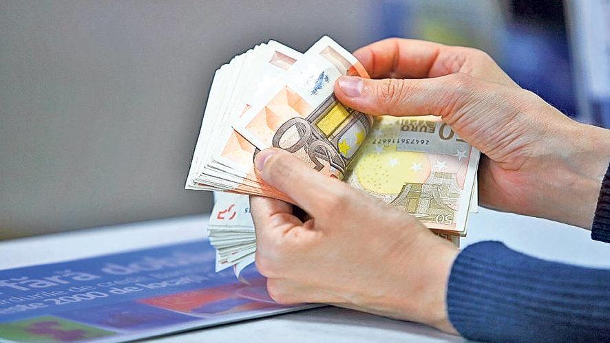 Bancherii au câștigat mai puțini bani în prima jumătate a acestui an. Cu cât a scăzut profitul băncilor