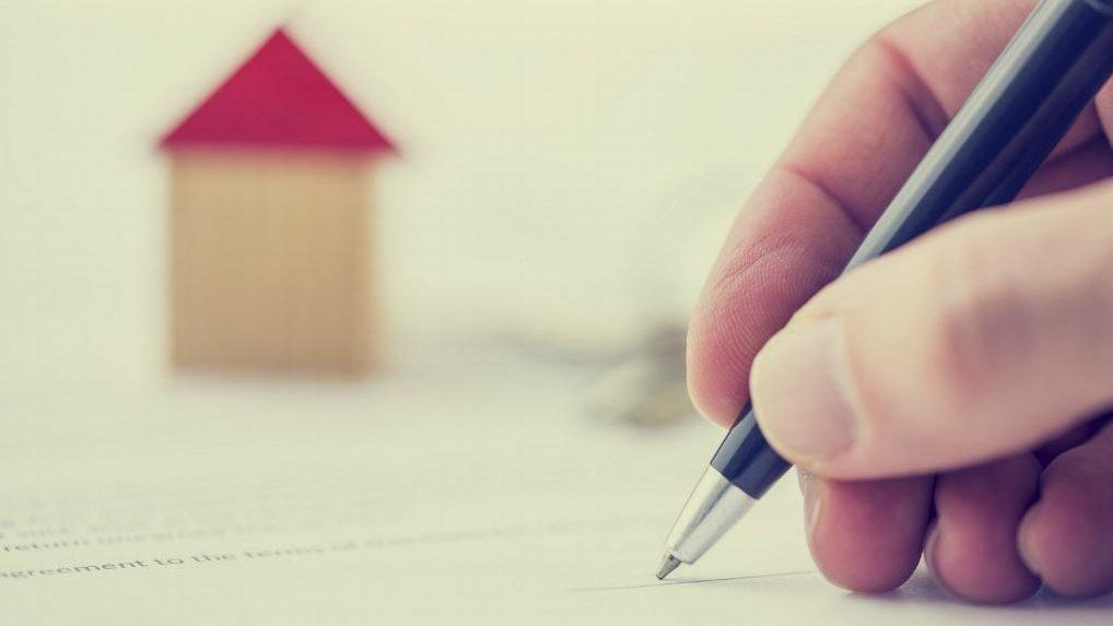 """Condiții noi pentru beneficiarii Programului """"Prima casă"""": Mai puține restricții privind actele prezentate și locuințele deținute anterior"""