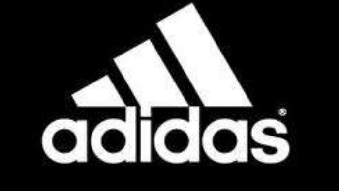 Compania Adidas se judecă cu un butic de la piața centrală. Firma a pierdut la Apel